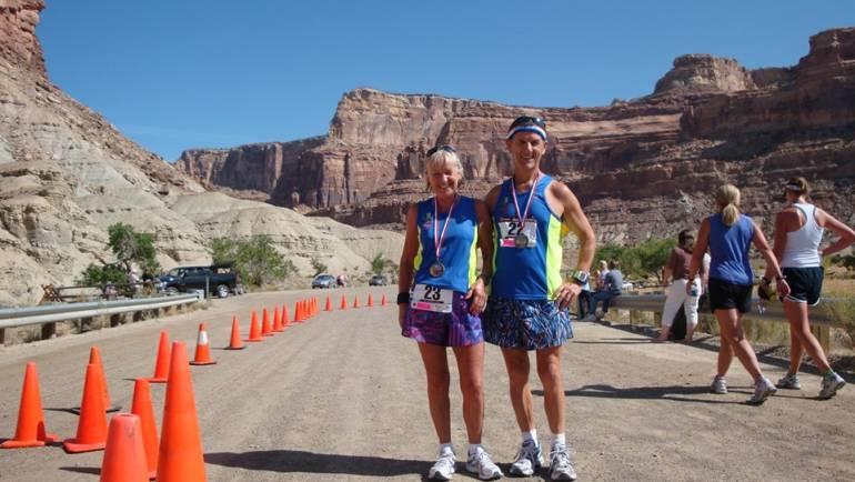 O Radisson Blu Διεθνής Μαραθώνιος Λάρνακας δίνει κυπριακό άρωμα στο «100 Marathon Club»!